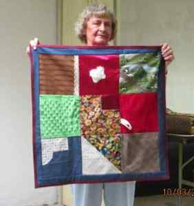 S&Tell Oct 2014 quilt club 019 (10)